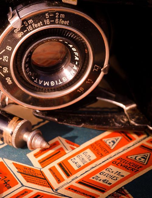 przygotowanie do druku - obraz wydruku retro przy soczewce